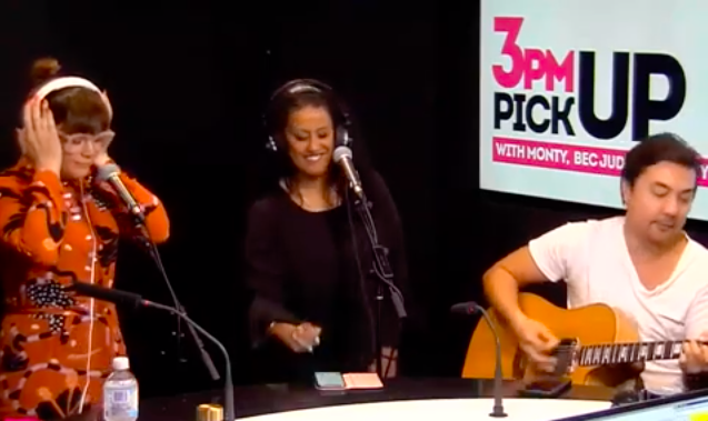 Em performs 'Geriatric Pregnancy' on the 3pm Pick-Up